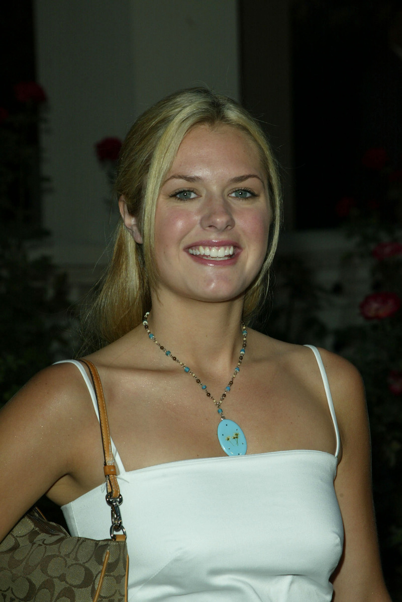 Maggie Lawson - Images Gallery